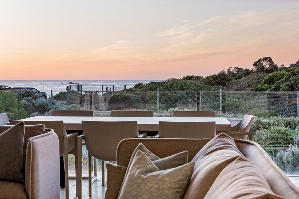 H+R   Kettal > Case Study - Smiths Beach Resort