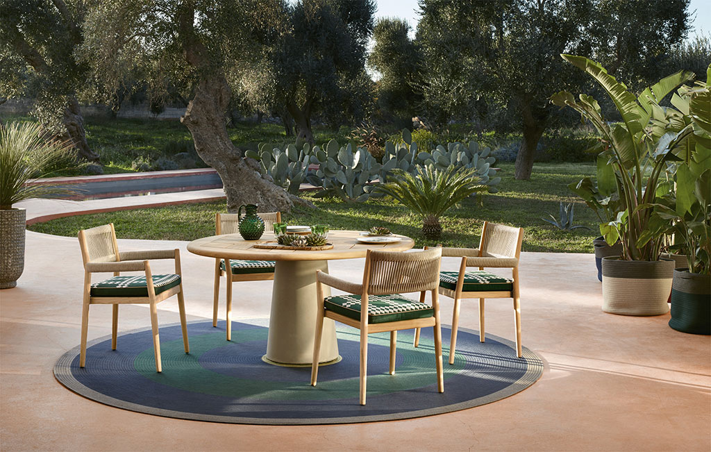 H+R   Cassina > Dine Out chair