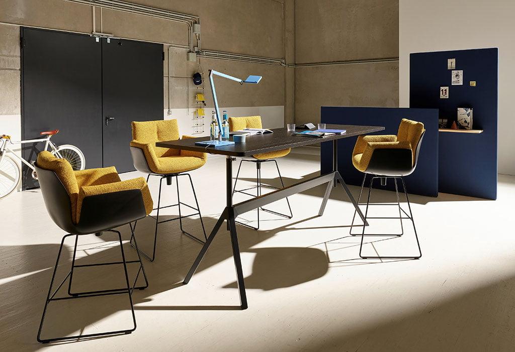 H+R   COR > Alvo bar chair