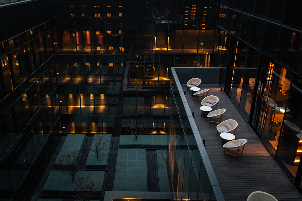 H+R | Kettal > Case Study - Outdoor Seating